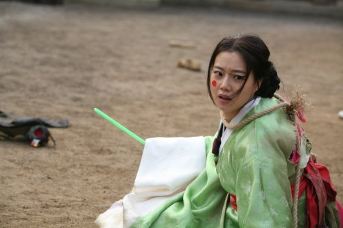 Moon-chae-won-in-war-of-the-arrows-2011-movie-image