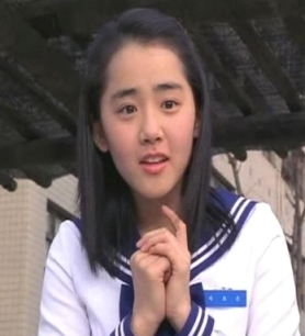 That's the 15-year old bride played by Geun-Young Moon